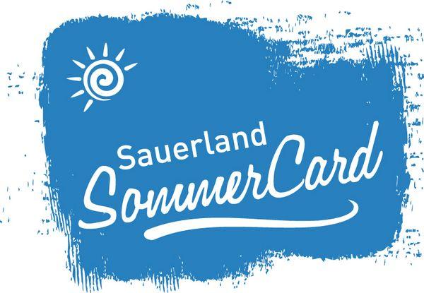 Das blaue Logo der Sauerland Sommercard mit weißer Schrift