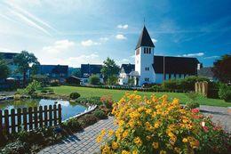 Ortsteil Hildfeld mit Kirche und See
